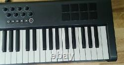 M-Audio Axiom 61 USB/MIDI Controller Keyboard. With Power Cable Great Condition